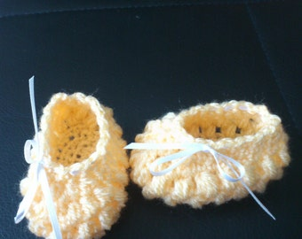 crocheted booties for little princesses