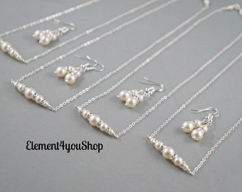 Bridesmaid jewelry Set of 4 bridesmaid gifts Wedding jewelry Bridesmaid necklace earrings set Maid of Honor Swarovski pearls Bridal party