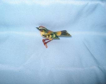 Takahashi Bird Brooch Pin, Yellow Crowned Kinglet, Wood, Hand Carved by Yoneguma  & Hand Painted by Kiyoka, Japanese, Jewelry