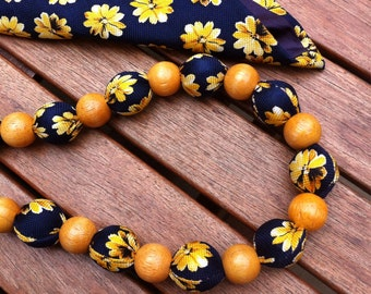 Vintage tie with wooden beads, necklace or belt becomes! Hand Made