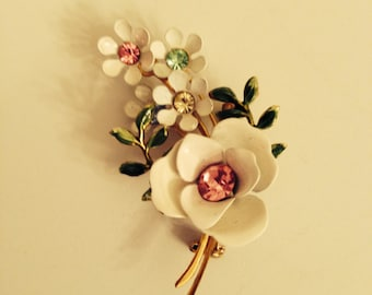 Vintage Lisner Flowers Brooch or Pin