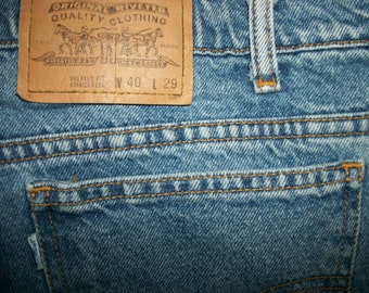 Levis Vintage Relaxed Fit 40 W x 29 L  Made in USA