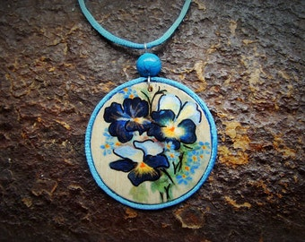 Pendant PANSY - freehand painted wood