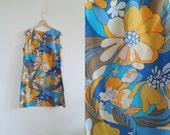 Vtg 60s Mod Mini Dress Bold Floral Dress Large Flowers In Orange Yellow Beige Blue Turquoise Beach Coverup Shift Dress Sun Dress