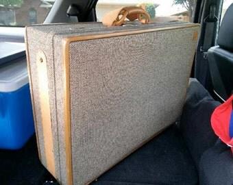 "Vintage Hartmann 26"" Woodbox Tweed/Leather Pullman Suitcase"