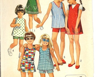 Simplicity 8865  Child's and Girls Jiffy Dress, Jumper or Top with Three Necklines and Shorts  ID211