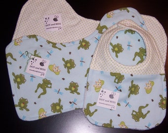 Frog Baby Bib and Burp Cloth Set !  FREE SHIPPING !!!!!!!!!!