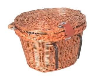 Wicker bike basket with lid