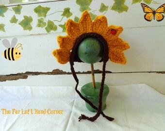 Crochet Sunflower bonnet in Newborn size. Photo Prop