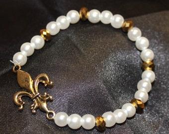 White and Gold Stretchy Fleur de Lis Bracelet
