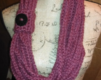 Mauve Chunky Chain Infinity Scarf with Button