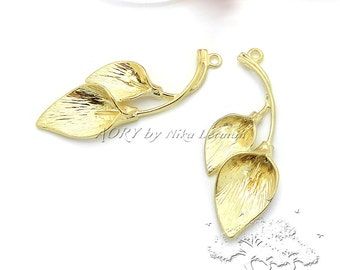 2 pcs Calla Lily Flower Pendants, Matte Gold Plated, 38mm x 16mm