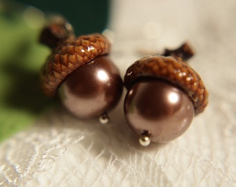 Real Acorn Earrings. Choose your color! Swarovski pearl beads. Jewelry by FairyOakWoodLand