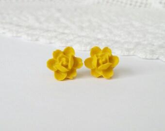 Yellow flower earrings, yellow stud earrings, mustard yellow studs, mustard studs, resin flower earrings, resin rose earrings, gold posts