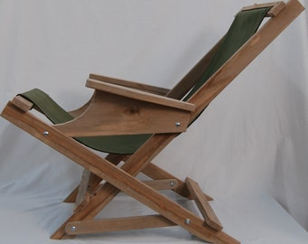 Foldable rocking deck chair