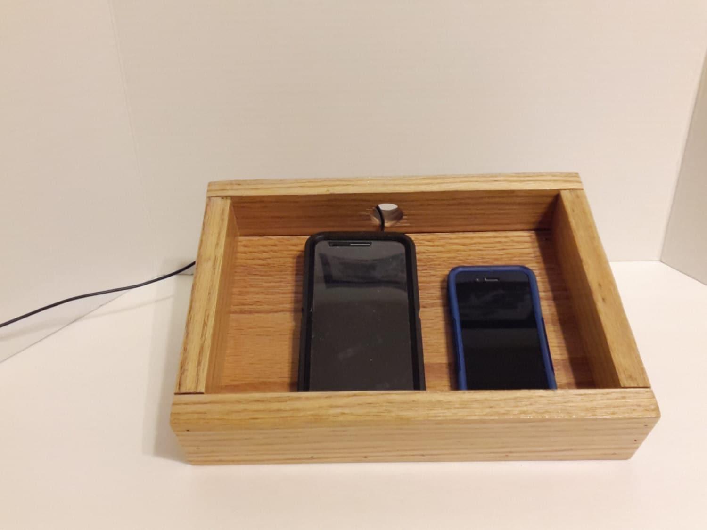 oak wood electronics charging station wood by sheltonwoodworks. Black Bedroom Furniture Sets. Home Design Ideas