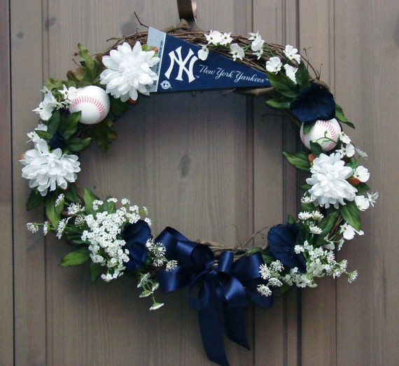 Go Yankees Grapevine New York Yankees Wreath By
