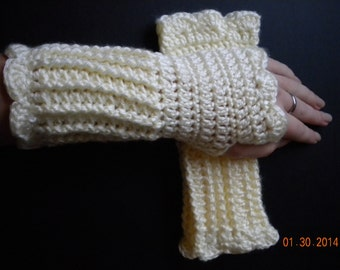 Soft, Warm, & Practical Wrist Warmer- Off White/Euro