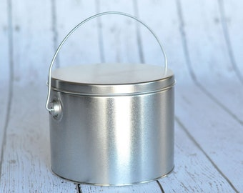 6-11/16'' diameter x 5-1/4'' tall platinum Bucket with lid and handle for Download & Print Projects- with popcorn or treat divider included