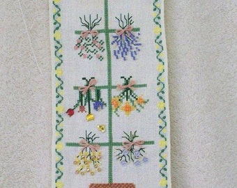 Herb Feather Tree Bellpull from Mill Hill Designs