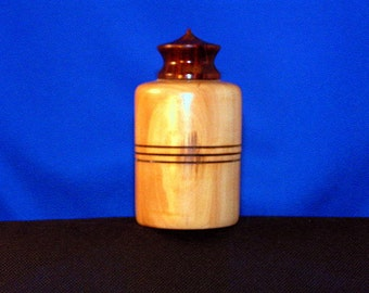 Lidded Maple Box with Bicote Finial