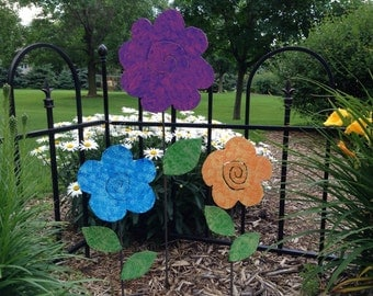 Metal Garden Art Flower Garden Stakes Yard Art Flowers - SET OF THREE