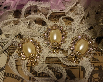 5 Decorative Gold Pearl Centers