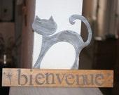 panneau bienvenue en bois et motif chat taupe