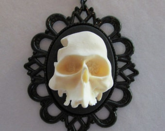 Resin Skull Pendant