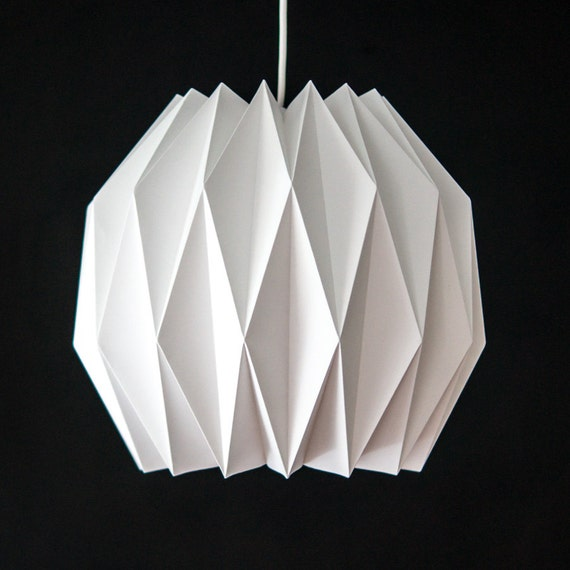 globus origami papier lampenschirm von colincobbdesign auf etsy. Black Bedroom Furniture Sets. Home Design Ideas