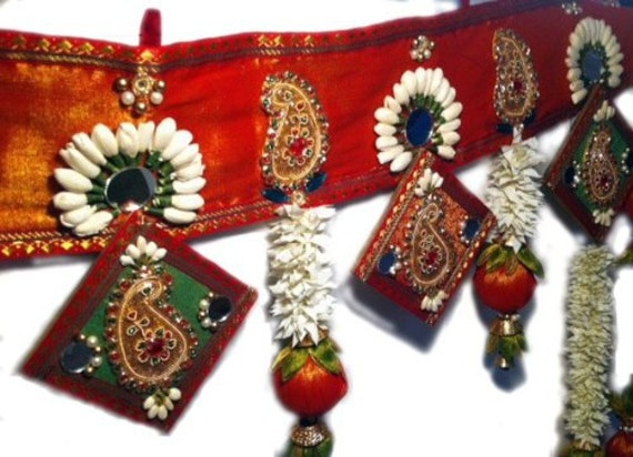 Indian wedding decor handcrated toran artificial flower for Artificial flowers for home decoration india