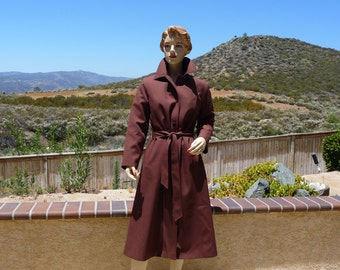 Vintage 1970s Women's Brown Long Coat  Faux Fur Lining Zips Out  With Belt That Ties In The Front, Deep Pockets, Not Ever Worn, Size 10