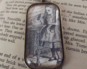 Alice In Wonderland Necklace, Alice, Vintage look, Glass Dome Pendant
