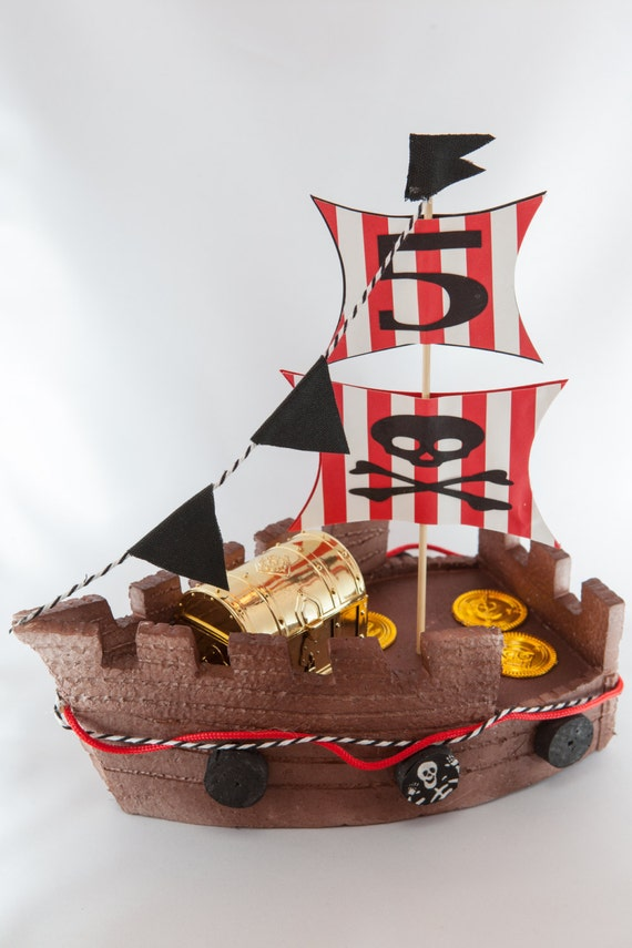 Pirate Ship Cake Topper personalized cake by EllasPartyDesigns
