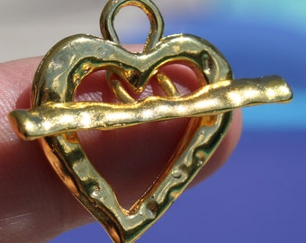 Heart Toggle Clasp Bright Gold, Hammered Finish ~ Quantity 5
