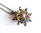 Beaded pendant, beaded flower pendant, beaded pendant Cicelle, classical pendant with petals