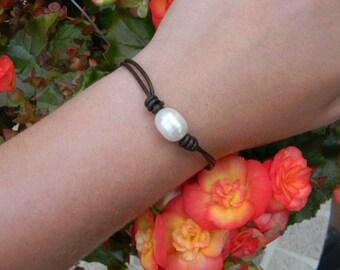 Freashwater Pearl Leather Bracelet