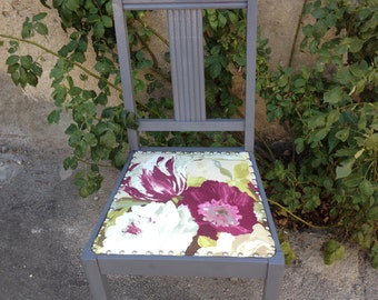Old French Chair (south of France), with a new flowered cover (coton).