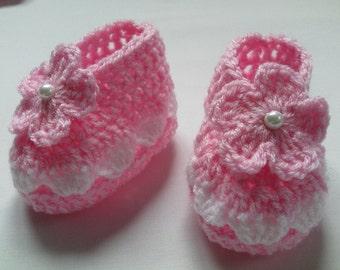 Crochet Baby Booties gift flower