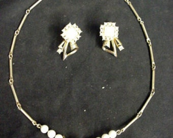Vintage Necklace Earrings Milk White Glass Clear Rhinestone Gold Tone DECO Unusual 349