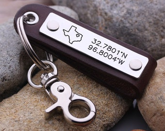 Personalized GPS Coordinate keychain - Leather Latitude Longitude keychain - Leather State Map key chain - Gift for Him