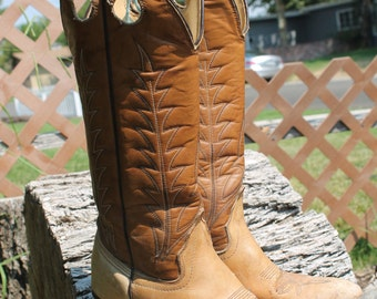Fabulous vintage cowgirl boots!