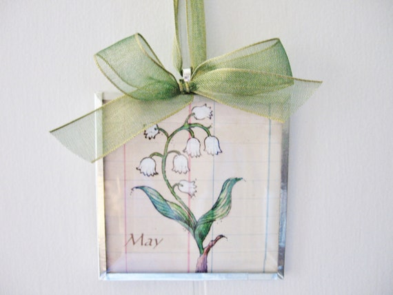 May Birth Month Flower - Lily of the Valley - 3x3 Beveled Glass Art Print Ornament-Birthday Gift for Mom - Sister - Her - Botanical Art