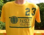 vintage 80s t-shirt VOLLEYBALL paisley high school 23 tee Large gold green jordan