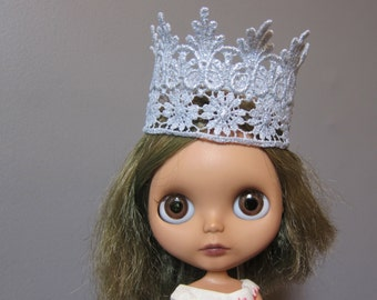 Blythe Silver Lace Crown