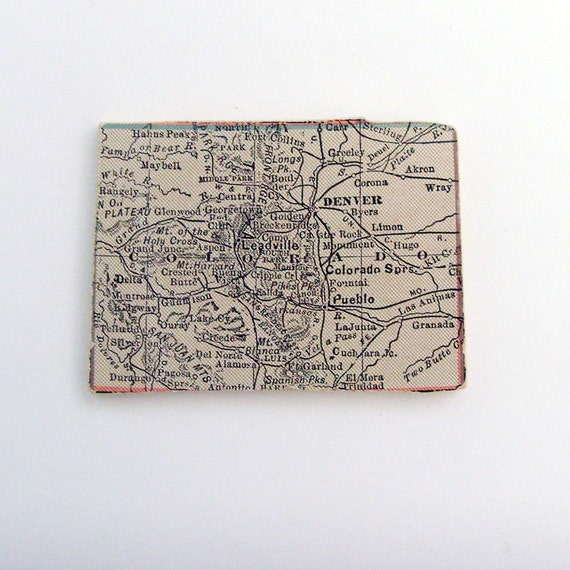 COLORADO Brooch - Lapel Pin  Upcycled 1931 Wood Jigsaw Puzzle Map Piece / Pale Peach Brooch / Wearable History Pin / OOAK