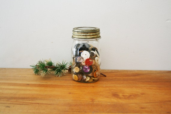 vintage Instant Button Collection in a Cute Jar