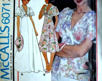 Vintage 70's McCall's 6071 Sewing Pattern, Young Junior/Teen Dress Or Top, Size 11/12, Bust 32, Factory Folded