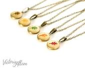 Tiny Leaf Locket Necklace, Autumn Oak Leaves on Vintage Round Brass Locket, Fall Wedding, Bridesmaid Bridal Party Gift, Red Orange Green