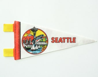 vintage 60s Seattle felt souvenir pennant / travel pennant / banner / small gift